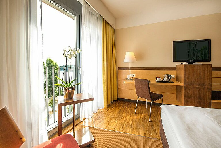 centrovital hotel Berlin - Relax room with lake view