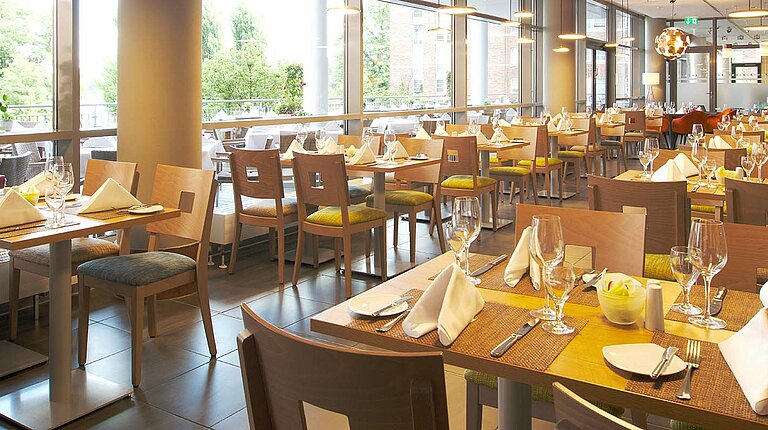 Restaurant emil's with terrace at centrovital Hotel Berlin ©Alexander Hausdorf