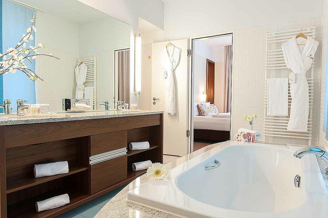 moderne und komfortable zimmer in berlin spandau centrovital. Black Bedroom Furniture Sets. Home Design Ideas
